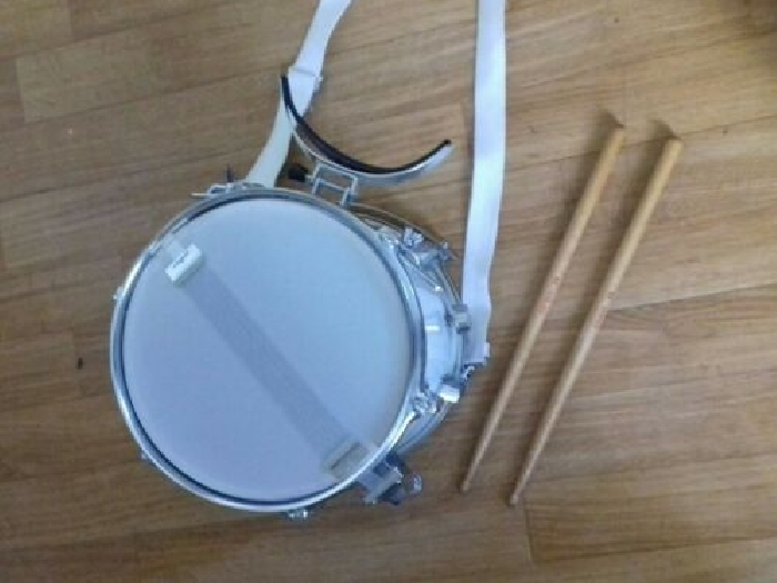 tambourin percution linko + 2 baguettes + 1 sangle de portage