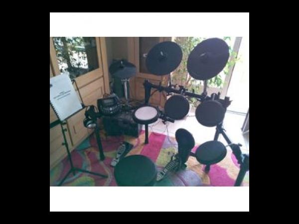 batterie lectronique drumtech ed800 batterie occasion. Black Bedroom Furniture Sets. Home Design Ideas